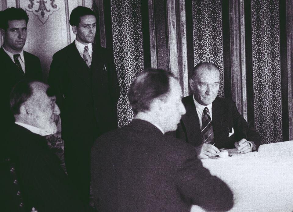 Anılarla Tevfik Fikret Ve Atatürk Mustafakemâlim