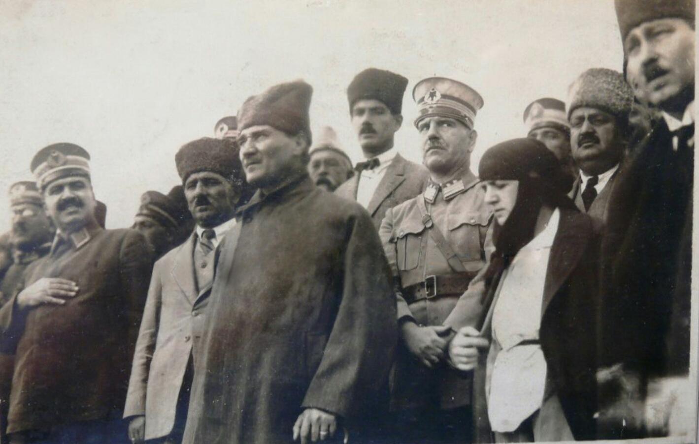 Latife Hanım Atatürk'ü Anlatıyor – MustafaKemâlim